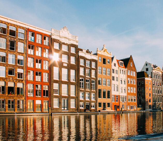 Amazon Web Services Summit 2015 Amsterdam